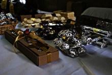 "Chocolates ""María del Pilar"", Taller Artesanal. Artesanía Vitraux, Cerámica. Mail: pilarrocham132@hotmail.com. Cel: 96645796."