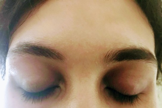The right side is filled in with the brow powder.