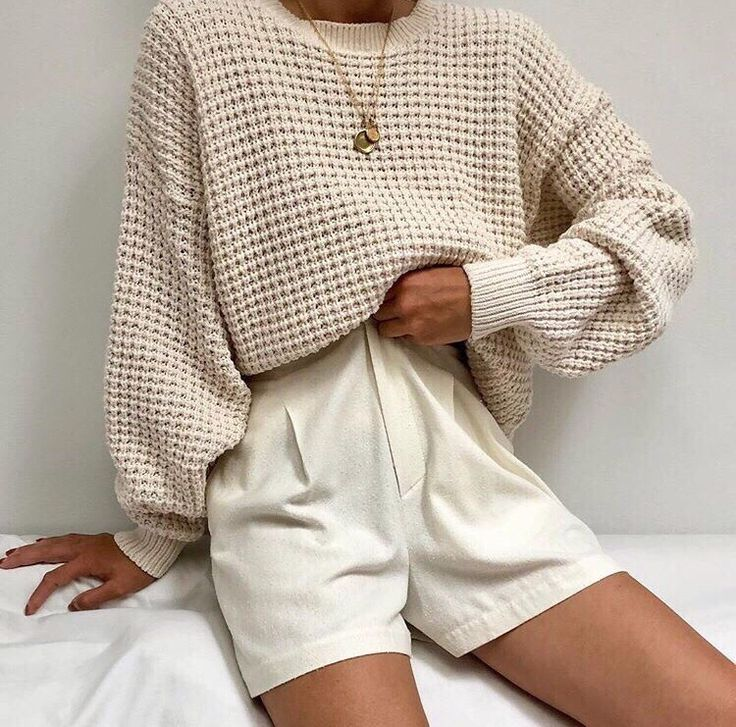 Fashion | Fashion outfits | Fashion ideas | Fall fashion | Fall aesthetic | Neutral outfits | - | #beige #jumper #white #shorts