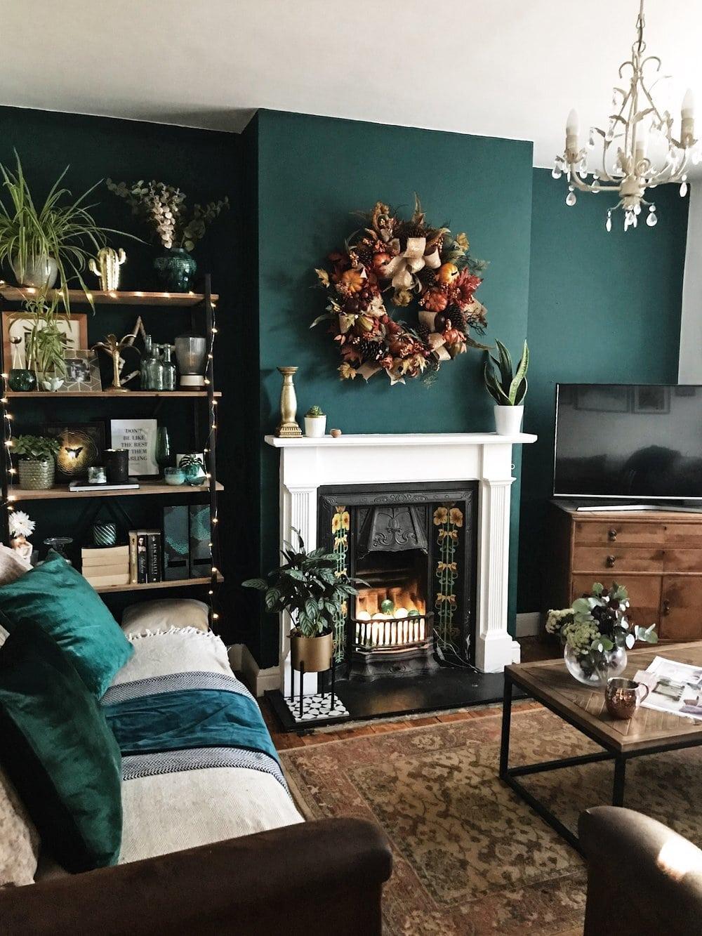 interior design, instagram, instagram trends, home decor, social media, blogging, instagram advice, blogging advice, pinterest, green wall, living room