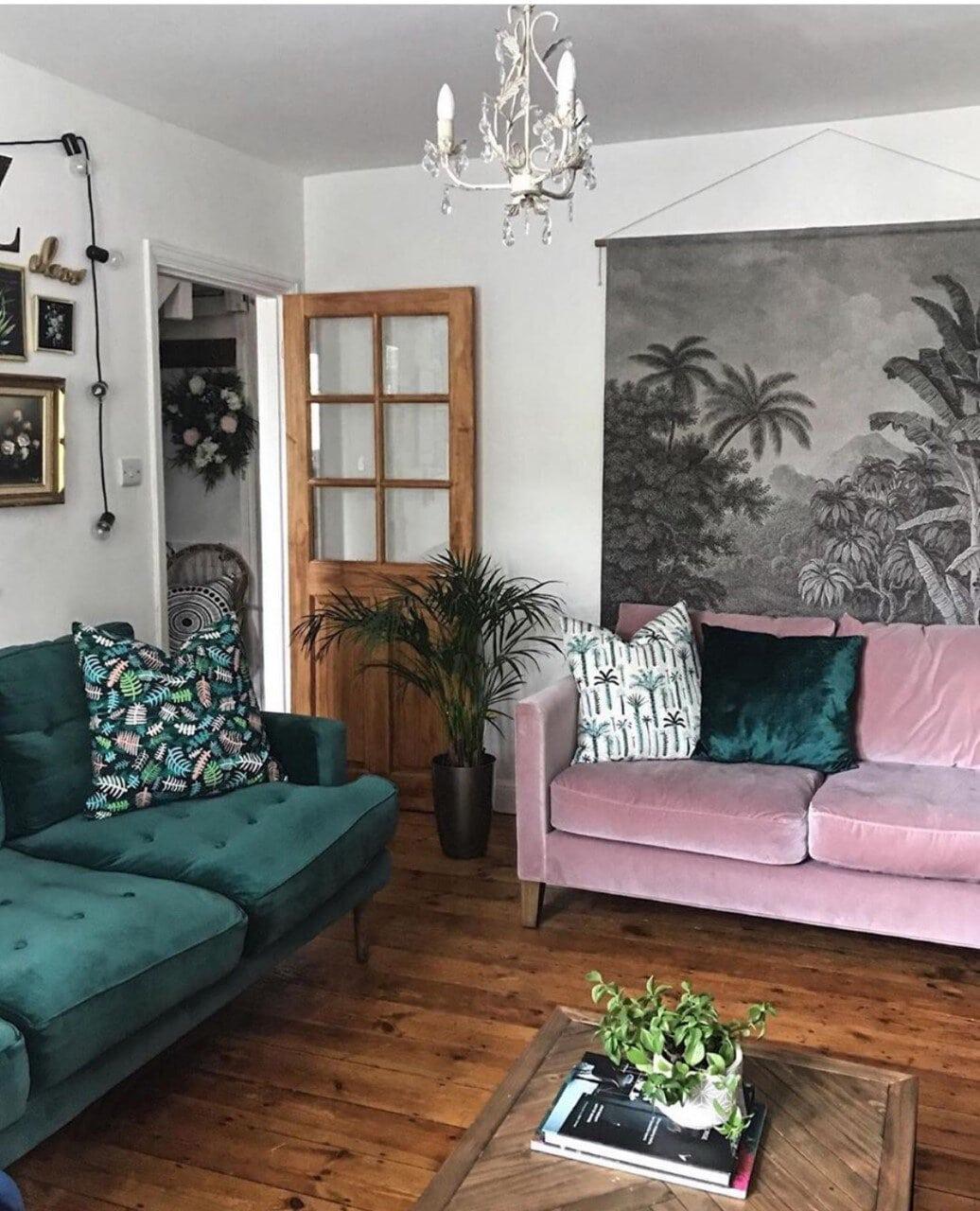 interior design, instagram, instagram trends, home decor, social media, blogging, instagram advice, blogging advice, pinterest, living room, pink sofa, green sofa