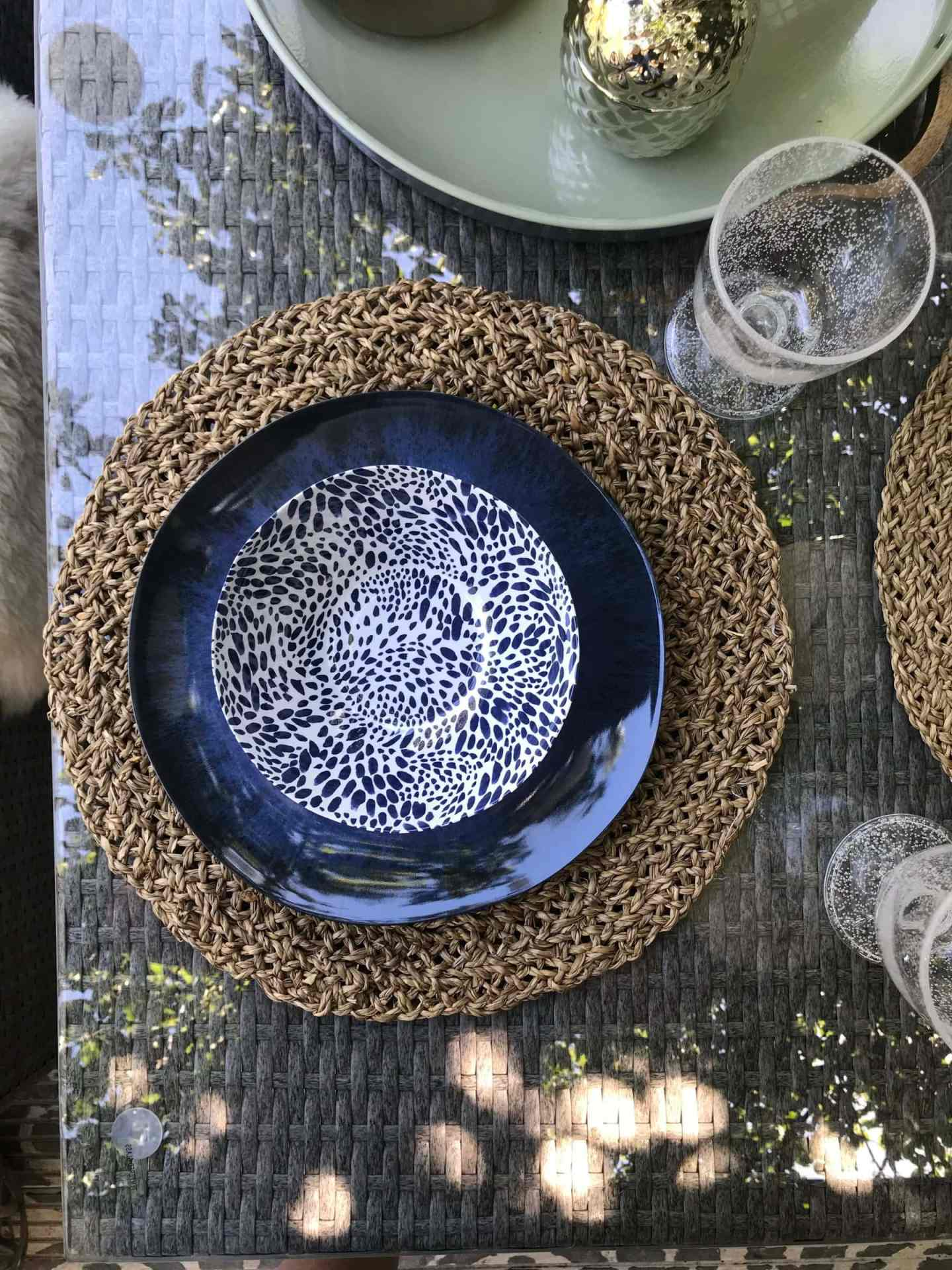 Love the pattern of these melamine  plates  and  bowls