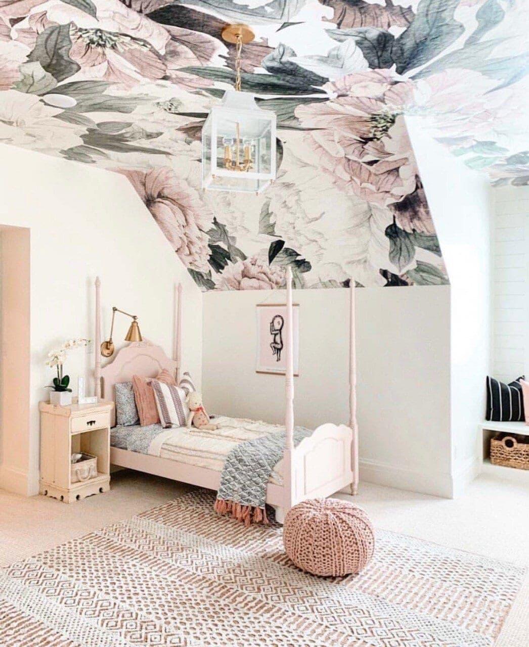 The most wonderful nursery with  anewalldecor,com  wallpaper Image Credit:  @remingtonavenue