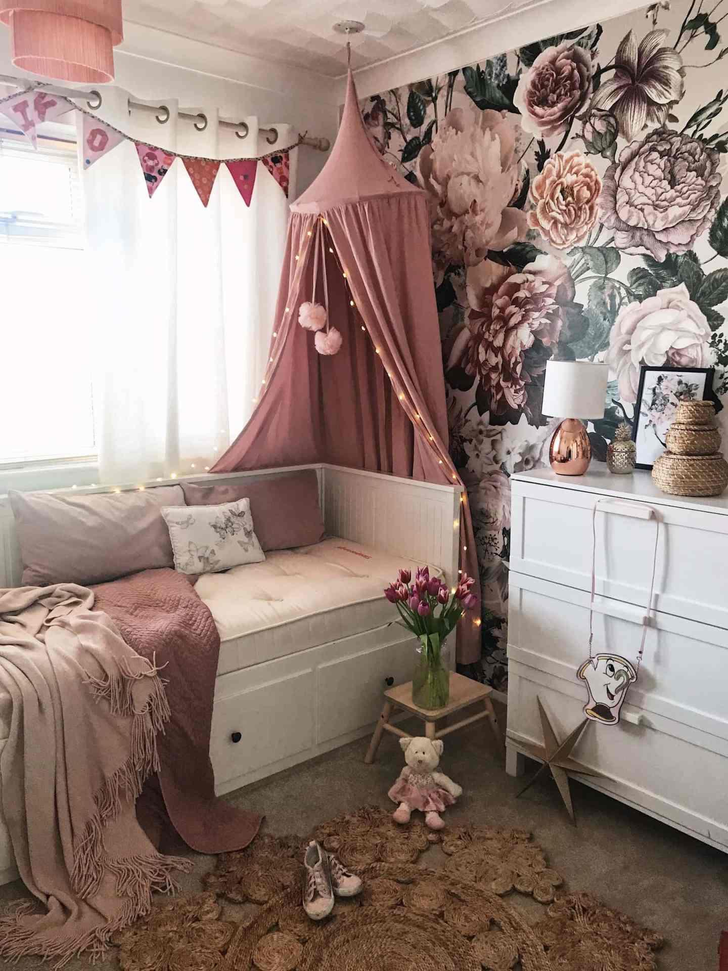 sleeporange mattress in a girls bedroom