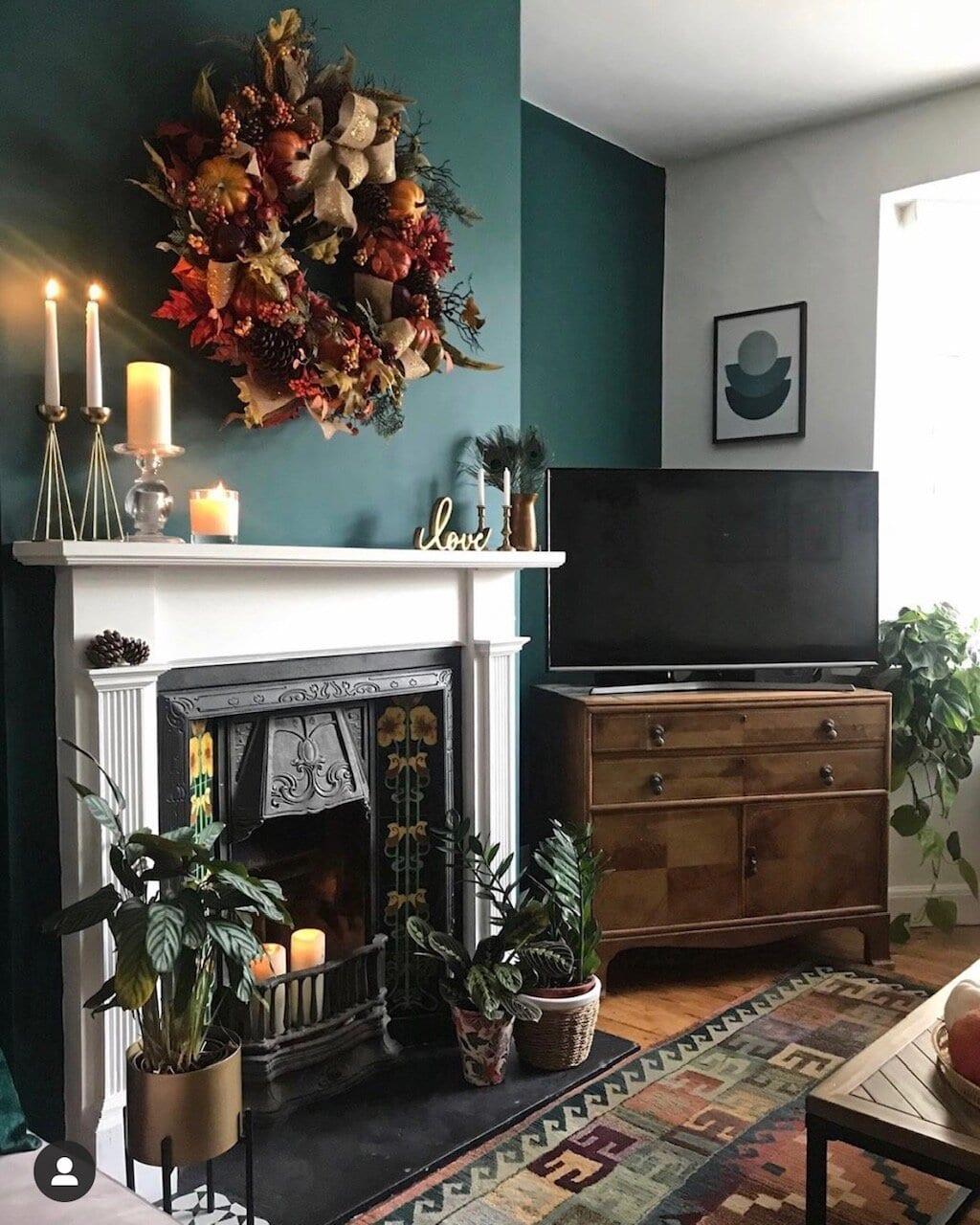 My autumn/Halloween decor consisted of an autumnal wreath