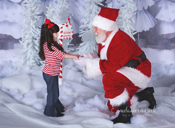 Melanie Runsick Photography Cookies With Santa in Jonesboro Arkansas