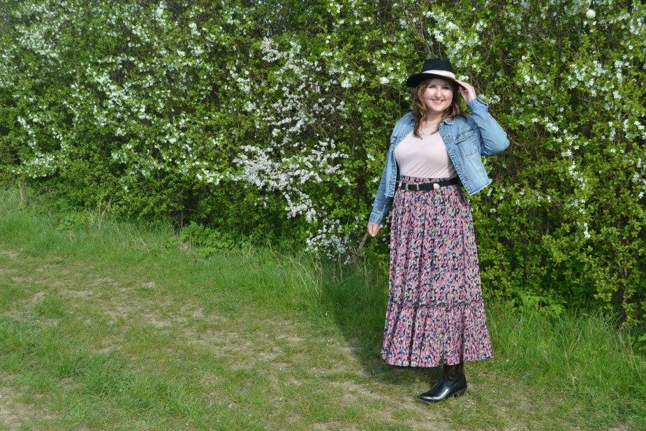 Maxi skirt, denim jacket and fedora hat