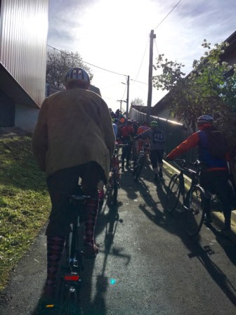 Cory taking up the challenge of the steepest section. Make way! Bromptoneer coming through! - #MelburnRoobaix #Melbourne #Brompton Club