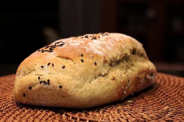 Pão integral de abacate
