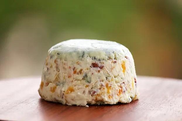 Pasta de gorgonzola, damasco e nozes