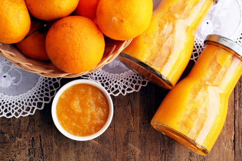 Geleia de bergamota - Faça em casa uma fácil e deliciosa geleia de bergamota (tangerina, mexirica). A receita leva poucos ingredientes e é muito saudável. Ela é perfeita para servir com pães no seu café da manhã, mas também cai muito bem com carnes e queijos.