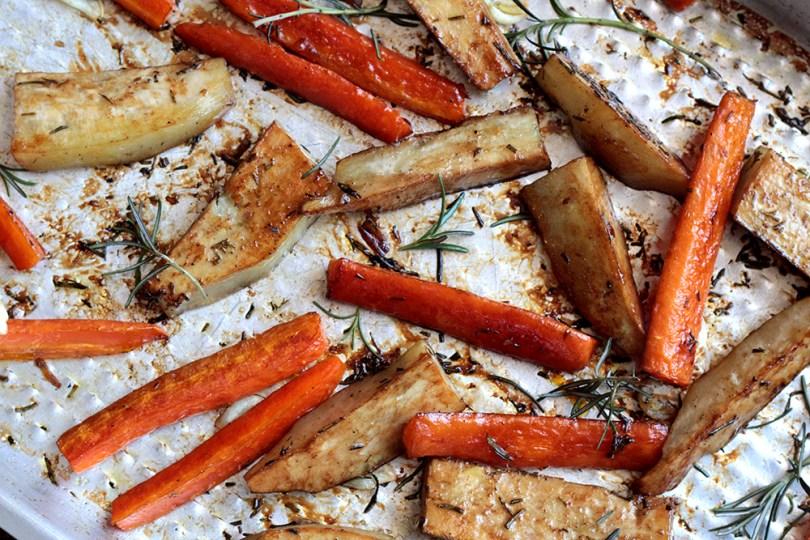 Batata-doce e cenoura assadas e agridoces