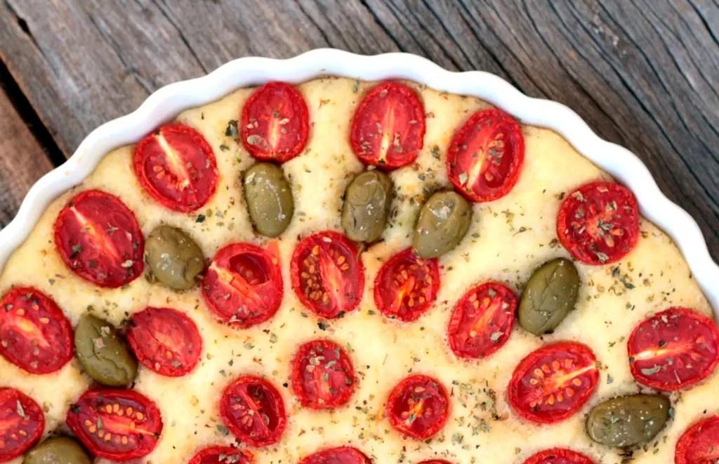 Focaccia Pugliese | Tomate-cereja e azeitonas