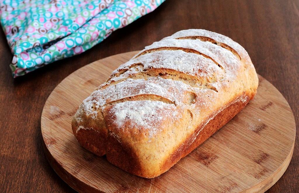 Pão integral de batata-doce com nozes