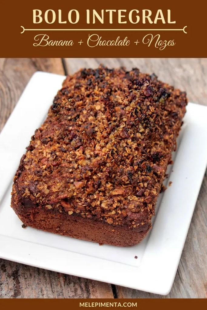 Receita de bolo integral de banana com chocolate e farofa de nozes - Receita de um bolo delicioso, saudável e muito fácil de fazer.
