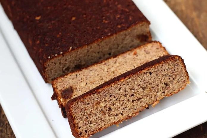 Bolo de tâmaras sem farinha de trigo