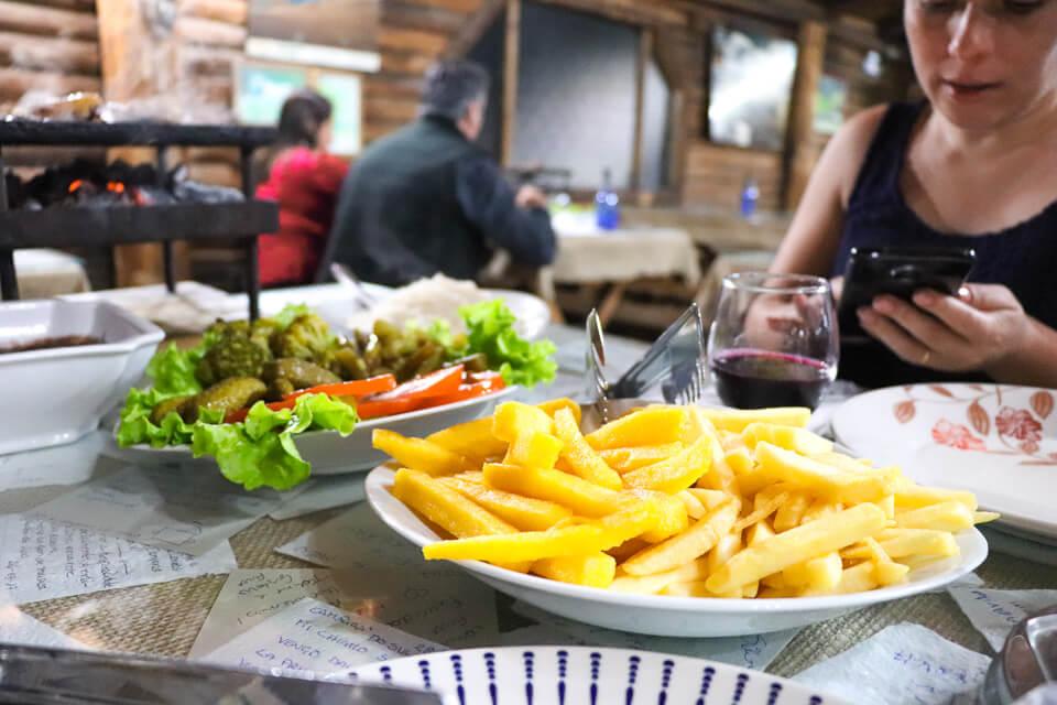 Onde comer em Cambará do Sul? Restaurante Galpão Costaneira, comida típica gaúcha