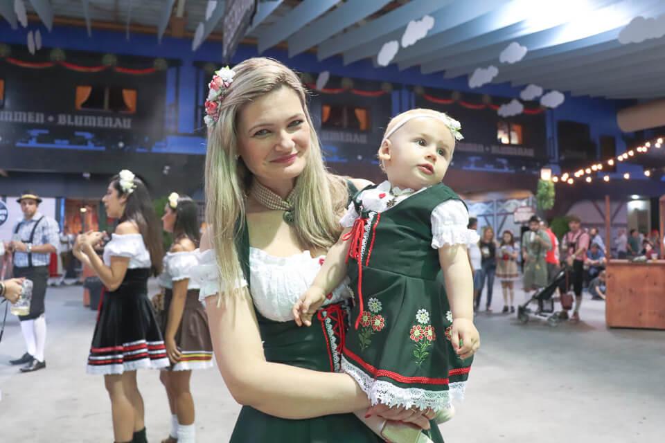 Oktoberfest Blumenau é para toda a família, adultos e crianças