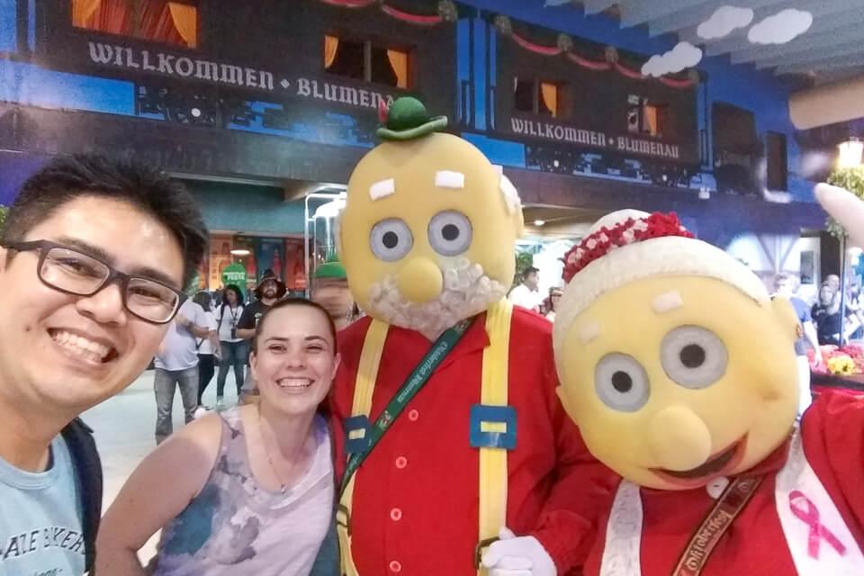 Oktoberfest com o vovô e vovó Chopão