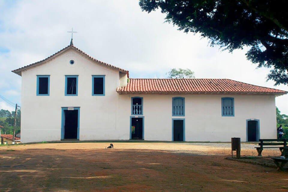 Bate e Volta de Sampa - Guararema, a pérola do vale. Igreja Nossa Senhora da Escada - São Longuinho