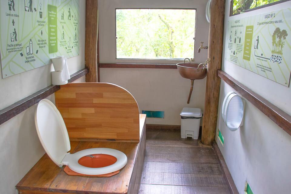 Pura Aventura - banheiros ecológicos no Parque das Neblinas