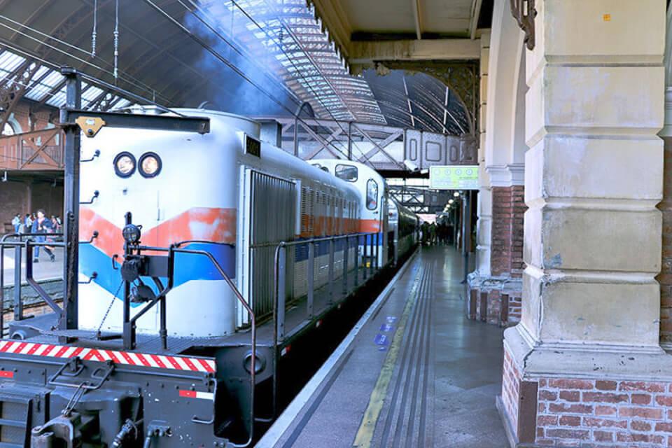 Bate e volta de Sampa - Passeio de trem para Paranapiacaba