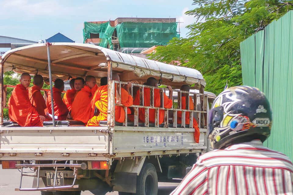Como é o transporte no Camboja
