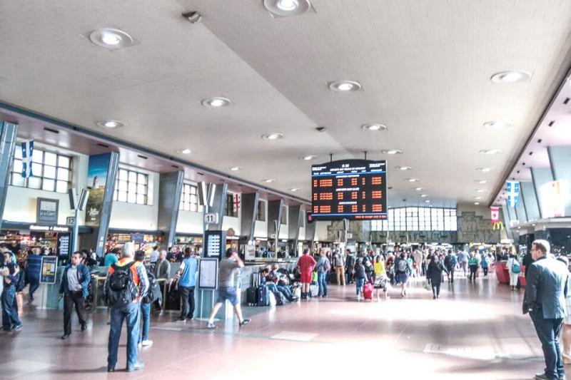 Saguão da estação de trem em Montreal