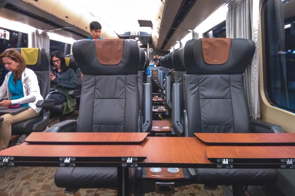 Trem de Quebec para Toronto na classe executiva