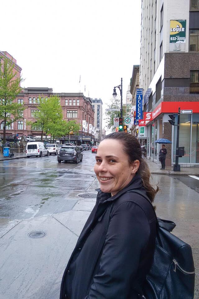 Rua Sainte Catherine é um dos lugares onde fazer compras em Montreal