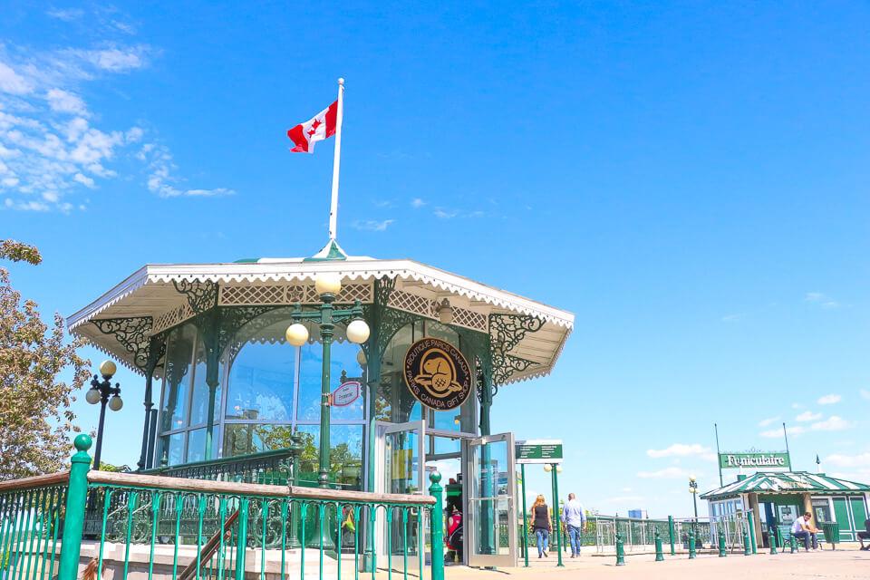 Entrada para Terrace Dufferin e Funiculaire em Quebec City - Canada