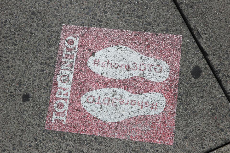 Nathan Phillips Square, letreiro de Toronto