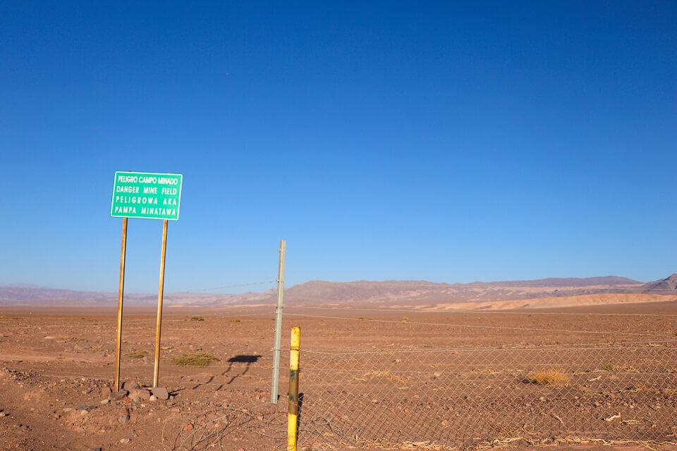 Lagunas Escondidas de Baltinache - Deserto do Atacama - Minas terrestres no Atacama