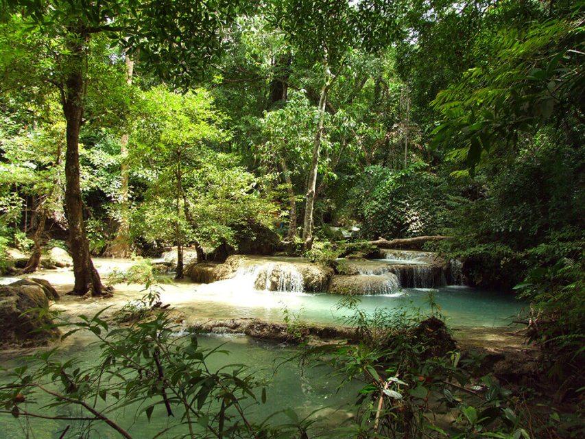 Cachoeiras da Tailândia no Erawan National Park