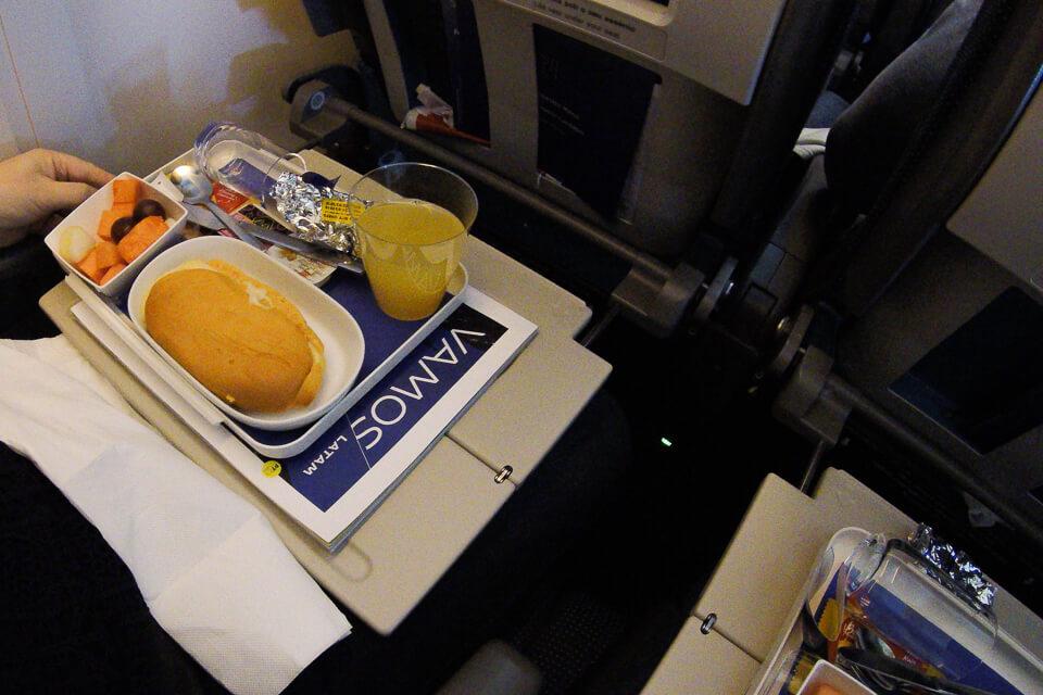 Como são as refeições do voo da Latam para o Chile