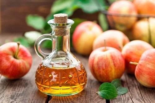 Vinagre de maçã ajuda a aliviar a dor no calcanhar