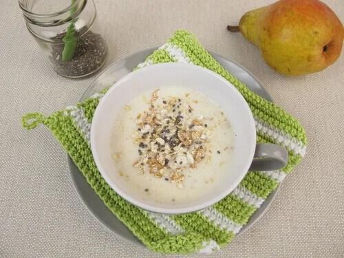 Café da manhã com aveia e iogurte