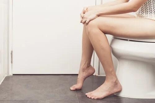 mulher-no-banheiro-500x334 Detectar a diabetes com 7 pistas