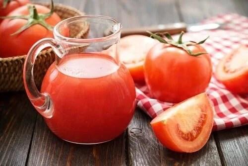 suco-de-tomate-500x334 Veja como Tratar a anemia ferropênica com 5 remédios naturais