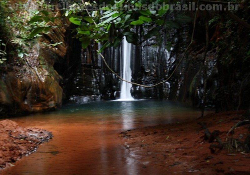 Cachoeira Da Pedra Caída