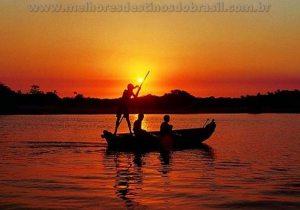 passear de barco rio preguicas lencois maranhenses