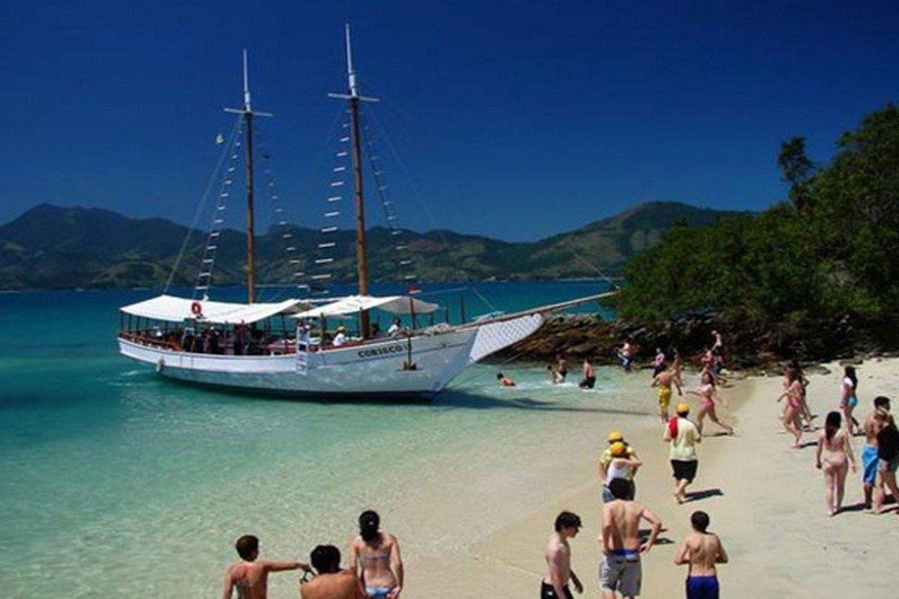 Passeio De Barco Nas Ilhas De Angra Dos Reis