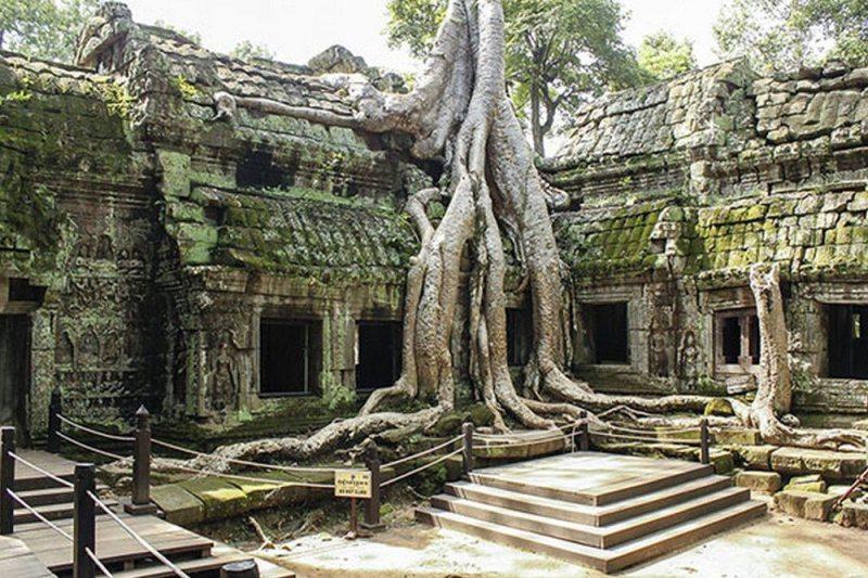 Lara Croft: Tomb Raider – Angkor Wat – Cambodia