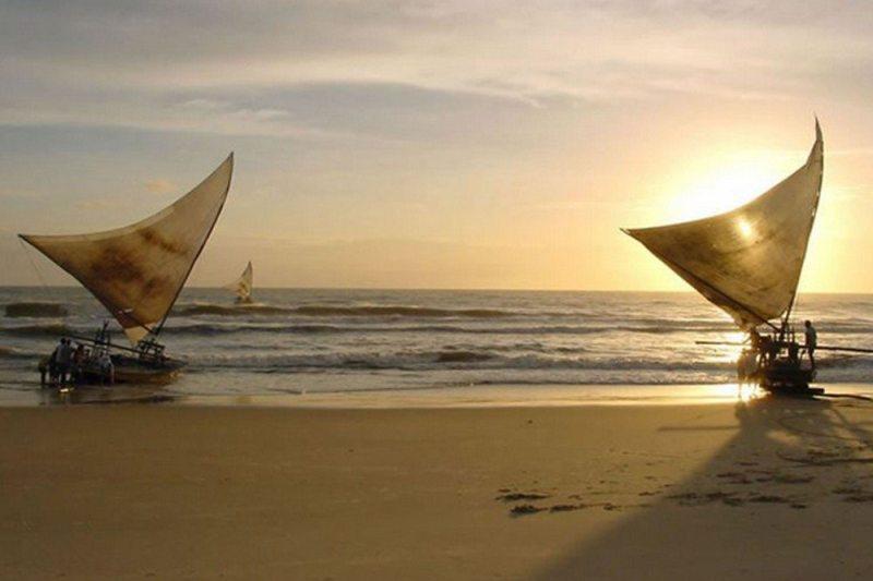 Aquiraz é destino de dunas, praias e lagoas