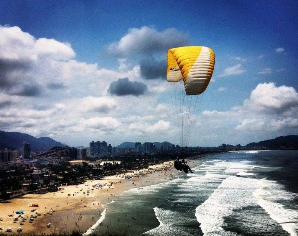 Vista com Parapente Guarujá