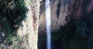 Cachoeiras E Mirantes Na Pequena Itirapina