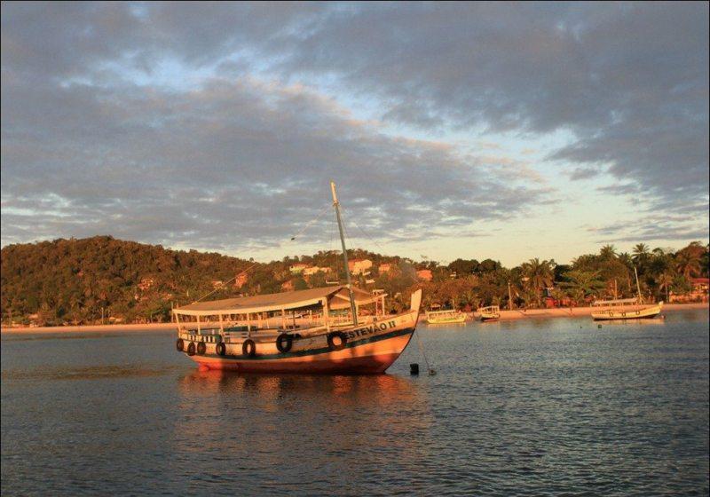 Barcos Em Morro Do São Paulo