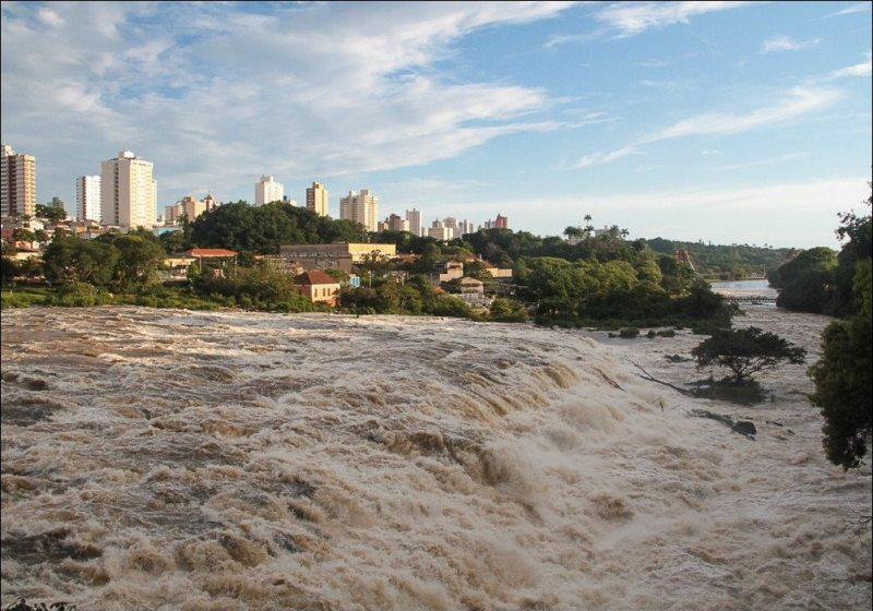 Salto Do Rio Em Piracicaba