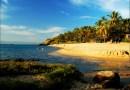 Praia Da Feiticeira, Paraíso Com Águas Verdes E Cristalinas.