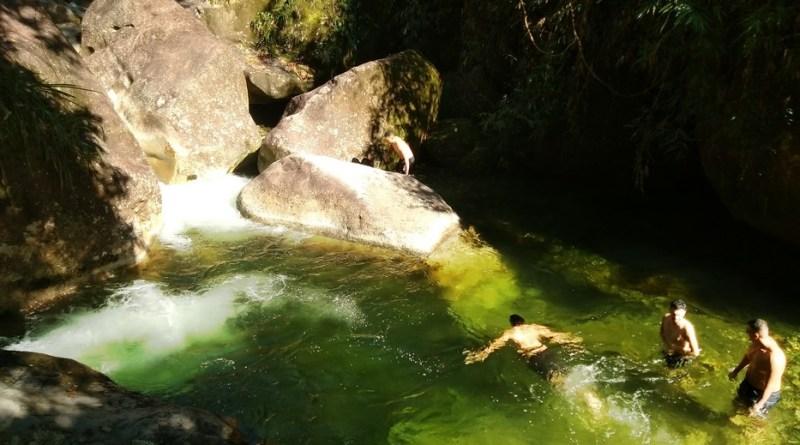 Poço das esmeraldas, serrinha do alambari